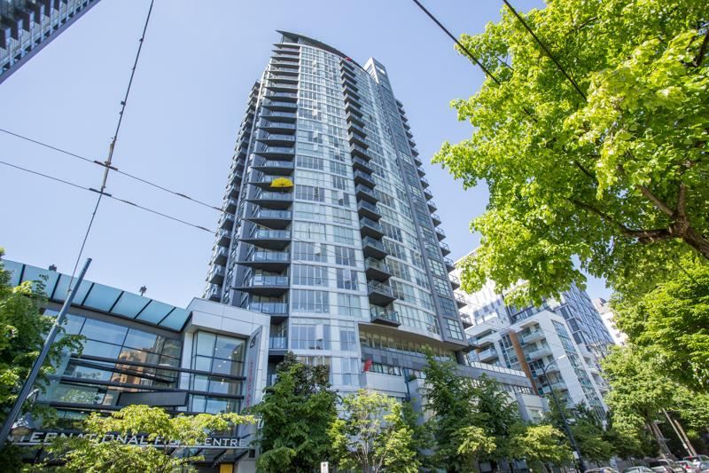 """Main Photo: 607 1155 SEYMOUR Street in Vancouver: Downtown VW Condo for sale in """"The Brava"""" (Vancouver West)  : MLS®# R2581521"""