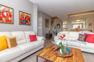 Photo 3: 124 75 Songhees Rd in Victoria: VW Songhees Row/Townhouse for sale (Victoria West)  : MLS®# 862955