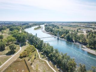 Photo 10: 6 Riverview Landing SE in Calgary: Riverbend Multi Family for sale : MLS®# A1051903
