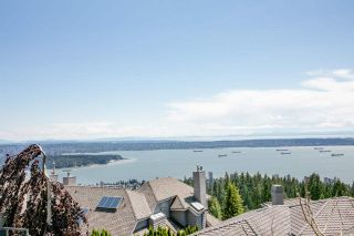 Photo 1: 1496 BRAMWELL Road in West Vancouver: Chartwell House for sale : MLS®# R2554535