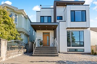 Photo 2: 2710 E 7TH Avenue in Vancouver: Renfrew VE House for sale (Vancouver East)  : MLS®# R2613218