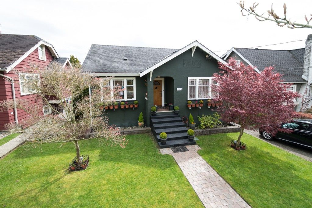 """Main Photo: 1814 EIGHTH Avenue in New Westminster: West End NW House for sale in """"WEST END"""" : MLS®# V1059064"""