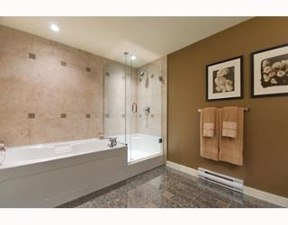 """Photo 7: 593 BEACH Crescent in Vancouver: False Creek North Townhouse for sale in """"PARKWEST TWO"""" (Vancouver West)  : MLS®# V636963"""