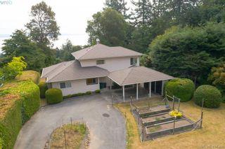 Photo 2: 820 Del Monte Lane in VICTORIA: SE Cordova Bay House for sale (Saanich East)  : MLS®# 821475