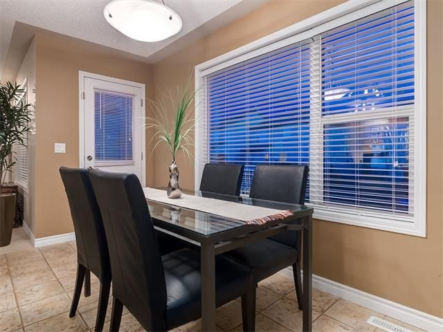 Photo 12: Photos: 40 COUGARSTONE Manor SW in Calgary: Cougar Ridge House for sale : MLS®# C4087798