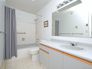 Photo 13: 4352 Parkwood Terr in VICTORIA: SE Broadmead Half Duplex for sale (Saanich East)  : MLS®# 780519