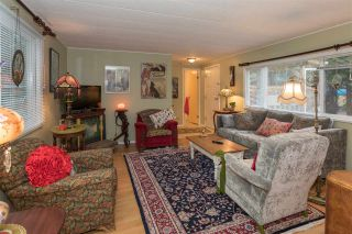 """Photo 4: 228 1830 MAMQUAM Road in Squamish: Northyards Manufactured Home for sale in """"TIMBERTOWN"""" : MLS®# R2236311"""