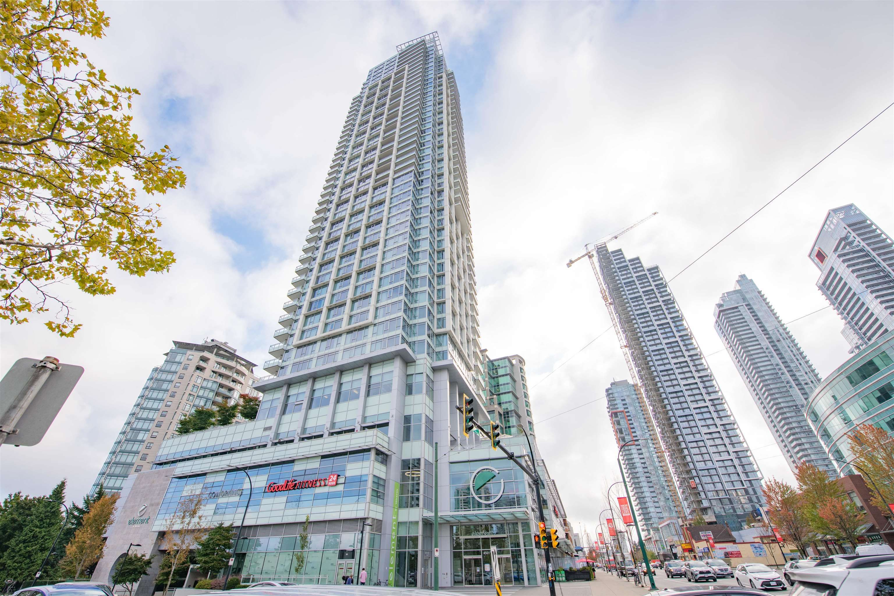 """Main Photo: 2101 4508 HAZEL Street in Burnaby: Forest Glen BS Condo for sale in """"SOVEREIGN"""" (Burnaby South)  : MLS®# R2623850"""