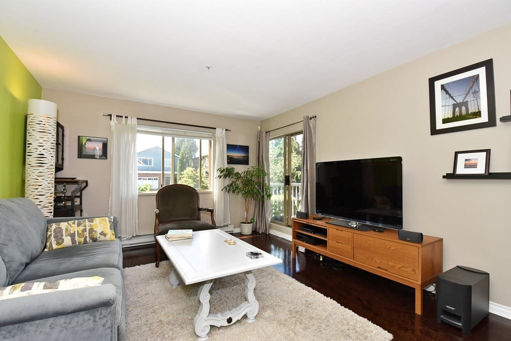 Main Photo: 212 1615 FRANCES STREET in : Hastings Condo for sale : MLS®# R2078572