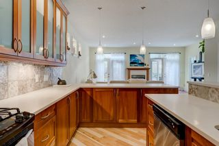 Photo 4: 2140 7 Avenue NW in Calgary: West Hillhurst Semi Detached for sale : MLS®# A1108142