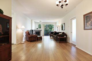 Photo 4: 206 1725 MARTIN Drive in Surrey: Sunnyside Park Surrey Condo for sale (South Surrey White Rock)  : MLS®# R2604978