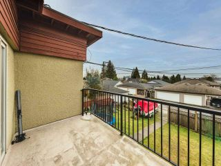 """Photo 18: 333 E 5TH Street in North Vancouver: Lower Lonsdale 1/2 Duplex for sale in """"LOWER LONSDALE"""" : MLS®# R2529429"""