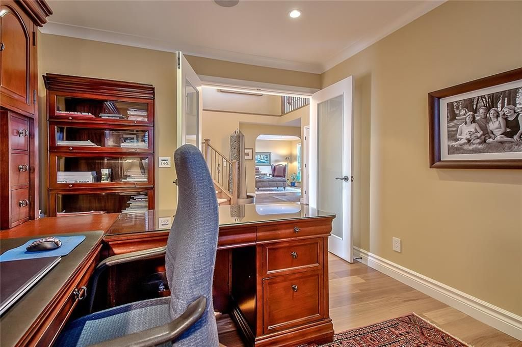Photo 21: Photos: 153 SIGNATURE Close SW in Calgary: Signal Hill Detached for sale : MLS®# C4283177