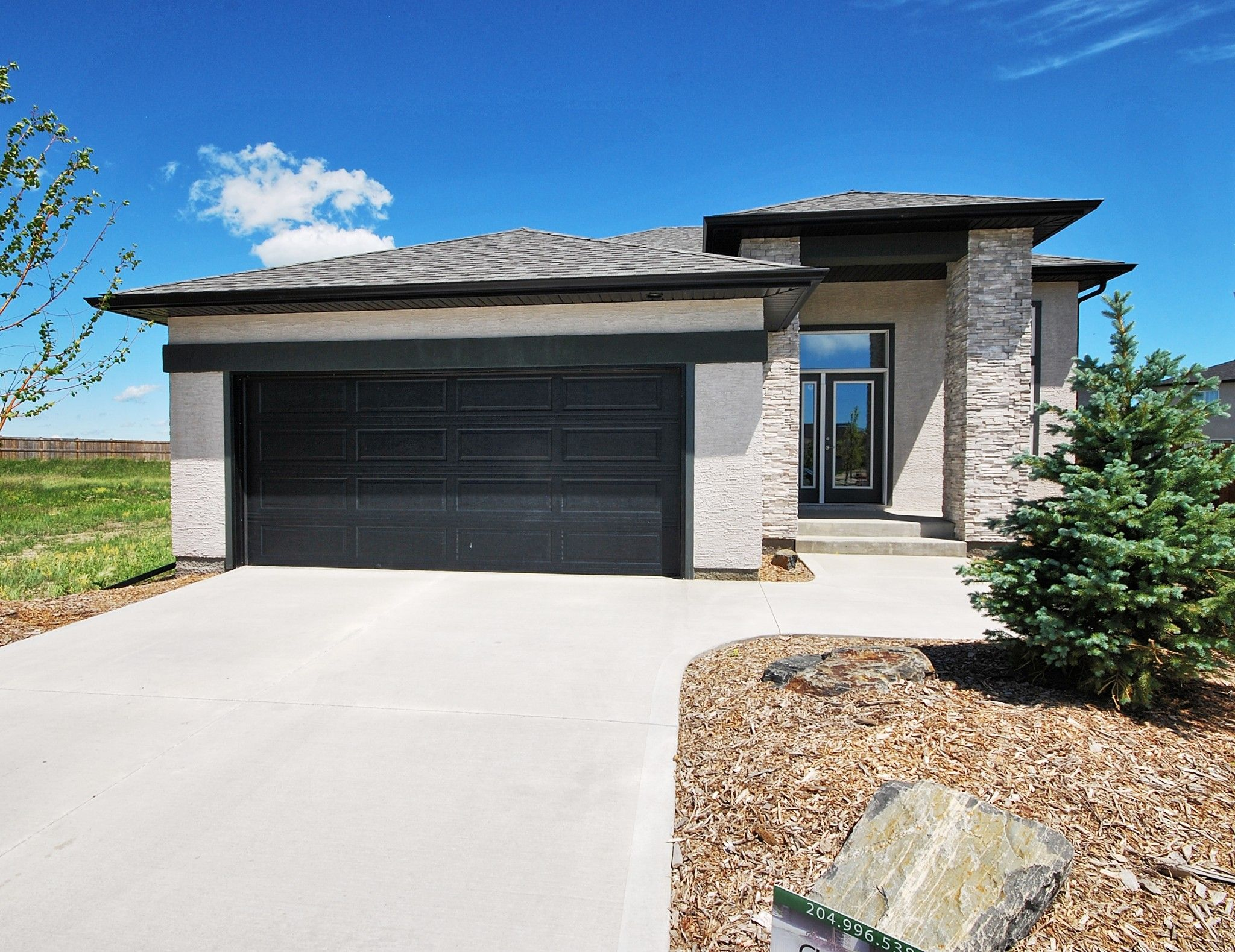 Main Photo:  in Winnipeg: Amber Trails Single Family Detached for sale (4F)