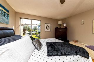 """Photo 18: 2201 33 CHESTERFIELD Place in North Vancouver: Lower Lonsdale Condo for sale in """"Harbourview Park"""" : MLS®# R2549622"""