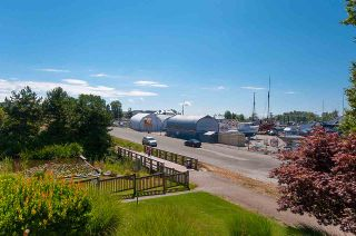 """Photo 4: 218 5500 ANDREWS Road in Richmond: Steveston South Condo for sale in """"SOUTHWATER"""" : MLS®# R2292523"""