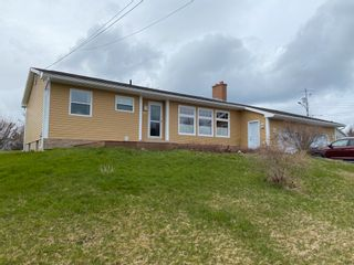 Photo 1: 85 Young Avenue in Pictou: 107-Trenton,Westville,Pictou Residential for sale (Northern Region)  : MLS®# 202109946
