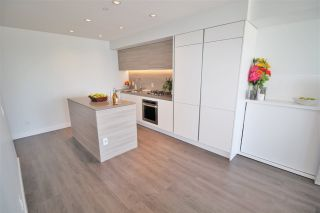 """Photo 5: 3001 908 QUAYSIDE Drive in New Westminster: Quay Condo for sale in """"Riversky 1"""" : MLS®# R2398687"""