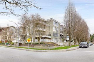 "Photo 2: PH5 2485 ATKINS Avenue in Port Coquitlam: Central Pt Coquitlam Condo for sale in ""THE ESPLANADE"" : MLS®# R2559032"