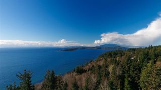 Photo 1: 7921 REDROOFFS ROAD in Halfmoon Bay: Halfmn Bay Secret Cv Redroofs House for sale (Sunshine Coast)  : MLS®# R2142709