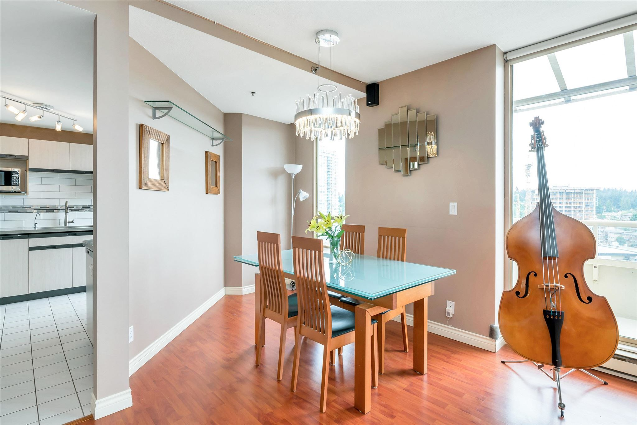 "Photo 6: Photos: 1401 728 FARROW Street in Coquitlam: Coquitlam West Condo for sale in ""THE VICTORIA"" : MLS®# R2615321"
