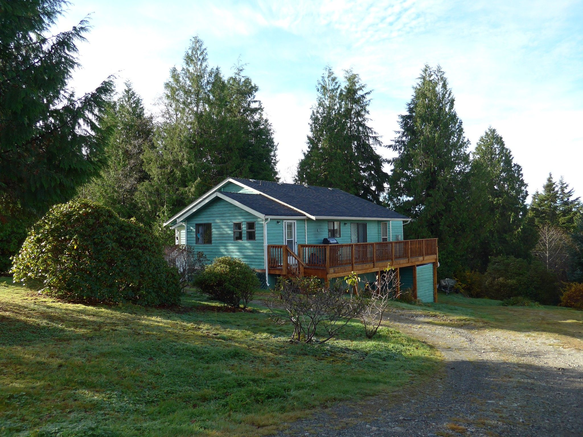 Main Photo: 468 Pachena Road in Bamfield: House for sale : MLS®# 463384
