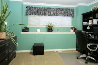 """Photo 14: 18343 68 Avenue in Surrey: Cloverdale BC House for sale in """"Cloverwoods"""" (Cloverdale)  : MLS®# R2441662"""