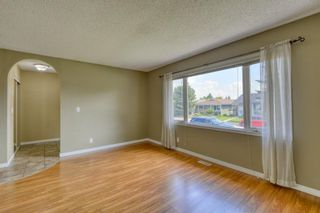 Photo 5: 128 Shawmeadows Crescent SW in Calgary: Shawnessy Detached for sale : MLS®# A1129077
