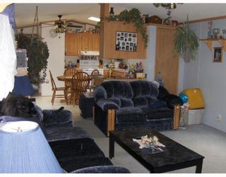 """Photo 6: 6946 ADAM Drive in Prince_George: Emerald Manufactured Home for sale in """"EMERALD"""" (PG City North (Zone 73))  : MLS®# N174041"""