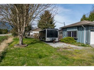 Photo 2: 15222 HARRIS Road in Pitt Meadows: West Meadows House for sale : MLS®# R2561730