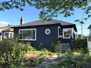 Photo 2: 2818 ADANAC Street in Vancouver: Renfrew VE House for sale (Vancouver East)  : MLS®# R2573635