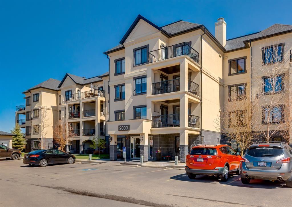 Main Photo: 2301 310 Mckenzie Towne Gate SE in Calgary: McKenzie Towne Apartment for sale : MLS®# A1103727