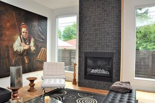 Photo 7: 110 35 Street NW in Calgary: Parkdale House for sale : MLS®# C4123515