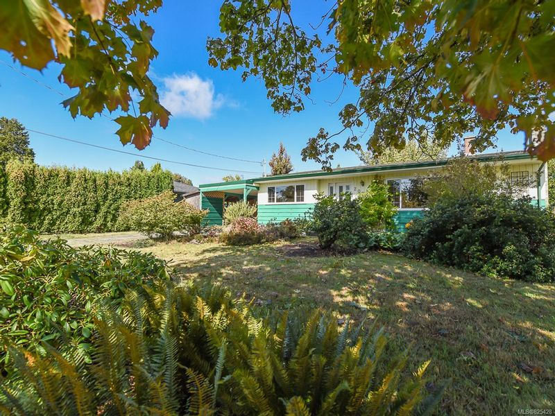 FEATURED LISTING: 2070 Cooke Ave COMOX