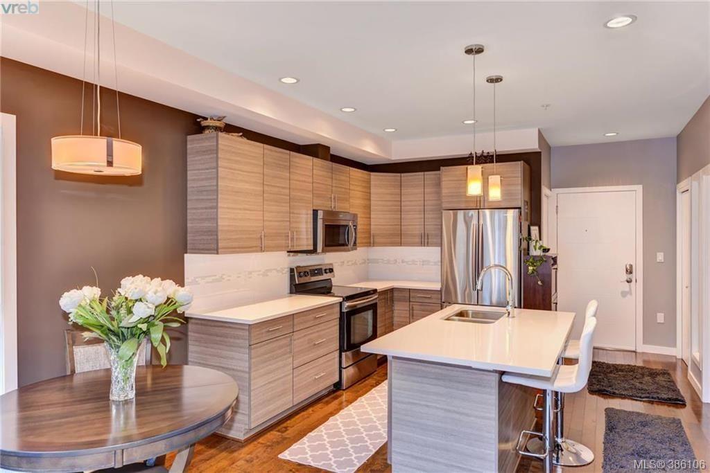Main Photo: 302 924 Esquimalt Rd in VICTORIA: Es Old Esquimalt Condo for sale (Esquimalt)  : MLS®# 775876