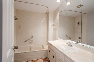 """Photo 15: 25 6600 LUCAS Road in Richmond: Woodwards Townhouse for sale in """"HUNTLY WYND"""" : MLS®# R2230201"""