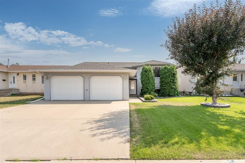 FEATURED LISTING: 78 Lewry Crescent Moose Jaw
