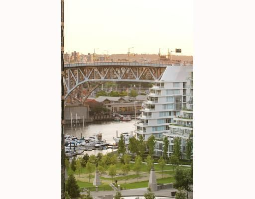 """Photo 4: Photos: 906 1408 STRATHMORE MEWS BB in Vancouver: False Creek North Condo for sale in """"WEST ONE"""" (Vancouver West)  : MLS®# V784813"""