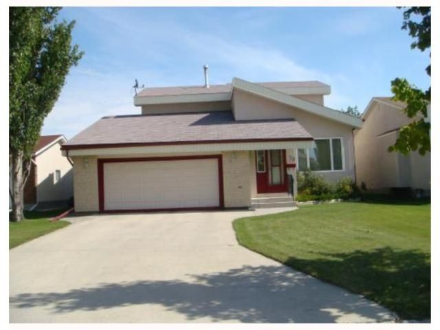 Main Photo: 70 Linden Park Bay in Winnipeg: Residential  : MLS®# 2816942