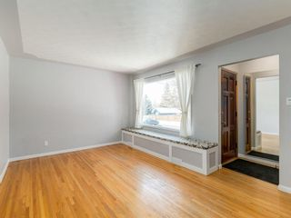 Photo 2: 95 Ferncliff Crescent SE in Calgary: Fairview Detached for sale : MLS®# A1064499