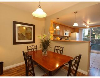 Photo 5: 14 288 ST DAVIDS Avenue in North_Vancouver: Lower Lonsdale Townhouse for sale (North Vancouver)  : MLS®# V764880