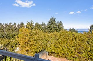 Photo 2: 1129 S Alder St in : CR Willow Point House for sale (Campbell River)  : MLS®# 886145