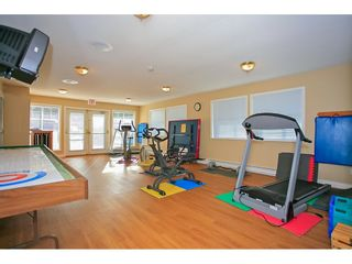 """Photo 20: 117 9012 WALNUT GROVE Drive in Langley: Walnut Grove Townhouse for sale in """"Queen Anne Green"""" : MLS®# R2184552"""