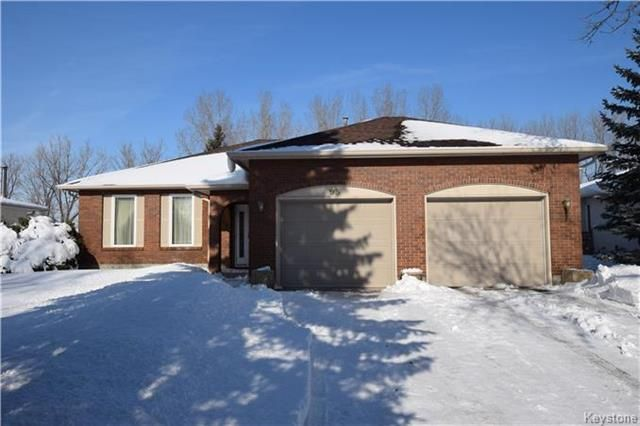 Main Photo: 95 RIVER ELM Drive in West St Paul: Riverdale Residential for sale (4E)  : MLS®# 1805132
