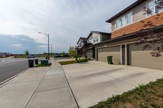 Photo 3: 1865 KEENE Crescent in Edmonton: Zone 56 Attached Home for sale : MLS®# E4259050