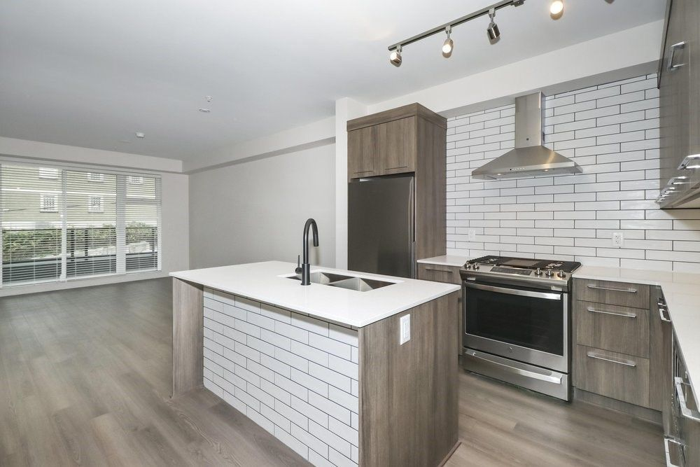 """Main Photo: 316 1012 AUCKLAND Street in New Westminster: Uptown NW Condo for sale in """"CAPITOL"""" : MLS®# R2542867"""