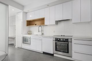 """Photo 9: 266 E 2ND Avenue in Vancouver: Mount Pleasant VE Townhouse for sale in """"Jacobsen"""" (Vancouver East)  : MLS®# R2212313"""