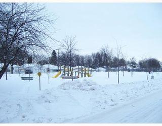 Photo 2: 921 BYNG Place in WINNIPEG: Fort Garry / Whyte Ridge / St Norbert Residential for sale (South Winnipeg)  : MLS®# 2900315