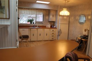"""Photo 4: 62 15875 20 Avenue in Surrey: King George Corridor Manufactured Home for sale in """"SEA RIDGE BAYS"""" (South Surrey White Rock)  : MLS®# R2208444"""