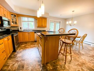 Photo 4: 311 Springfield Lake Road in Middle Sackville: 26-Beaverbank, Upper Sackville Residential for sale (Halifax-Dartmouth)  : MLS®# 202118252